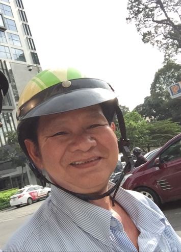 van-motorbike-driver